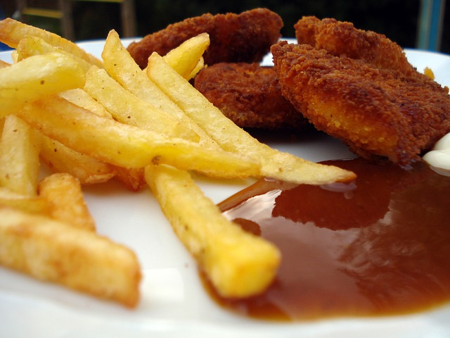 tomato ketchup with fries chicken